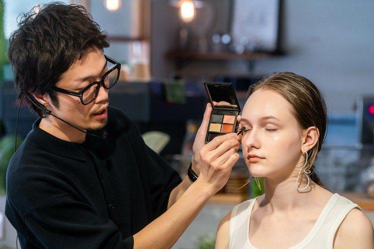 Celvoke 邀請到日本Celvoke彩妝大師,替大家打造夏日妝感。圖/Cel...