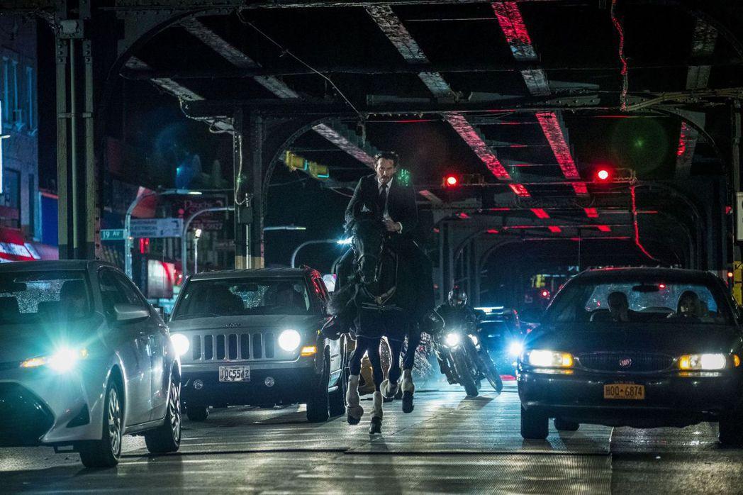 「捍衛任務3:全面開戰」這段畫面曾經讓電影公司想要刪去,導演堅持保留。圖/威視提...