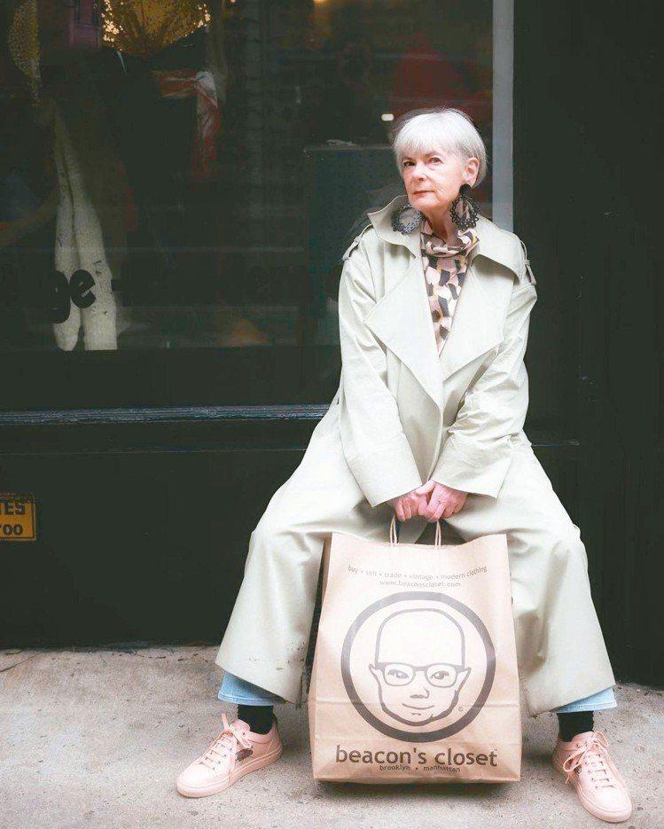 打扮的快樂,不該受年齡的限制。 圖/摘自IG