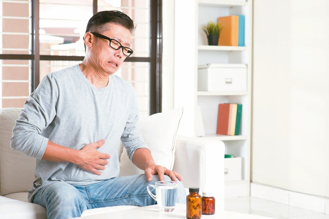 腸中風常見症狀為腹痛,通常很難指明是哪個區域疼痛。 圖/123RF