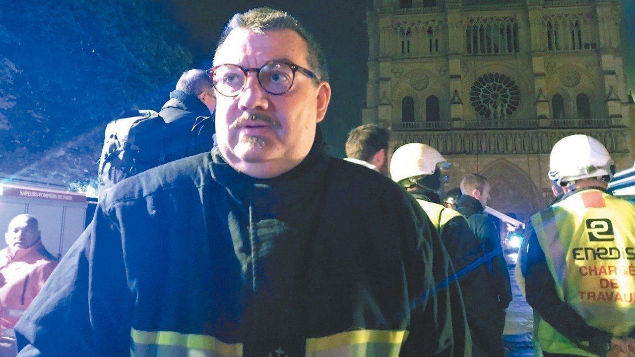 曾在二○一五年巴黎恐攻中照料傷患的巴黎神父福尼耶(Jean-Marc Fourn...