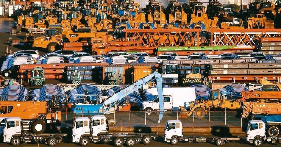日本3月出口連續第四個月走下坡,新加坡非石油出口創2016年10月來最大單月降幅...