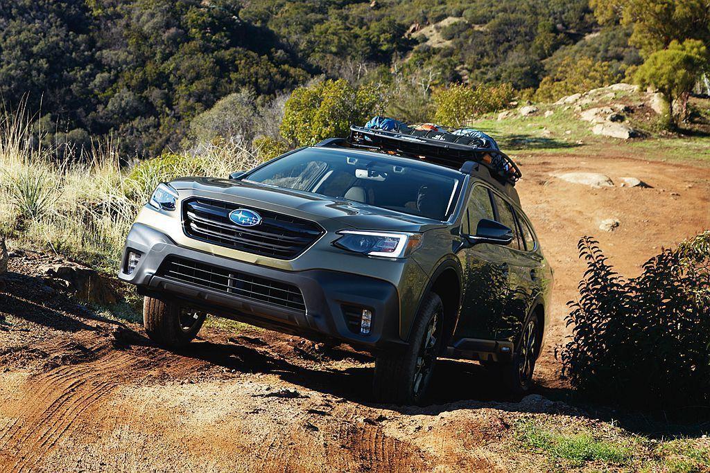 第六代Subaru Outback導入新式六角形水箱護罩、新式造型頭燈。 圖/S...