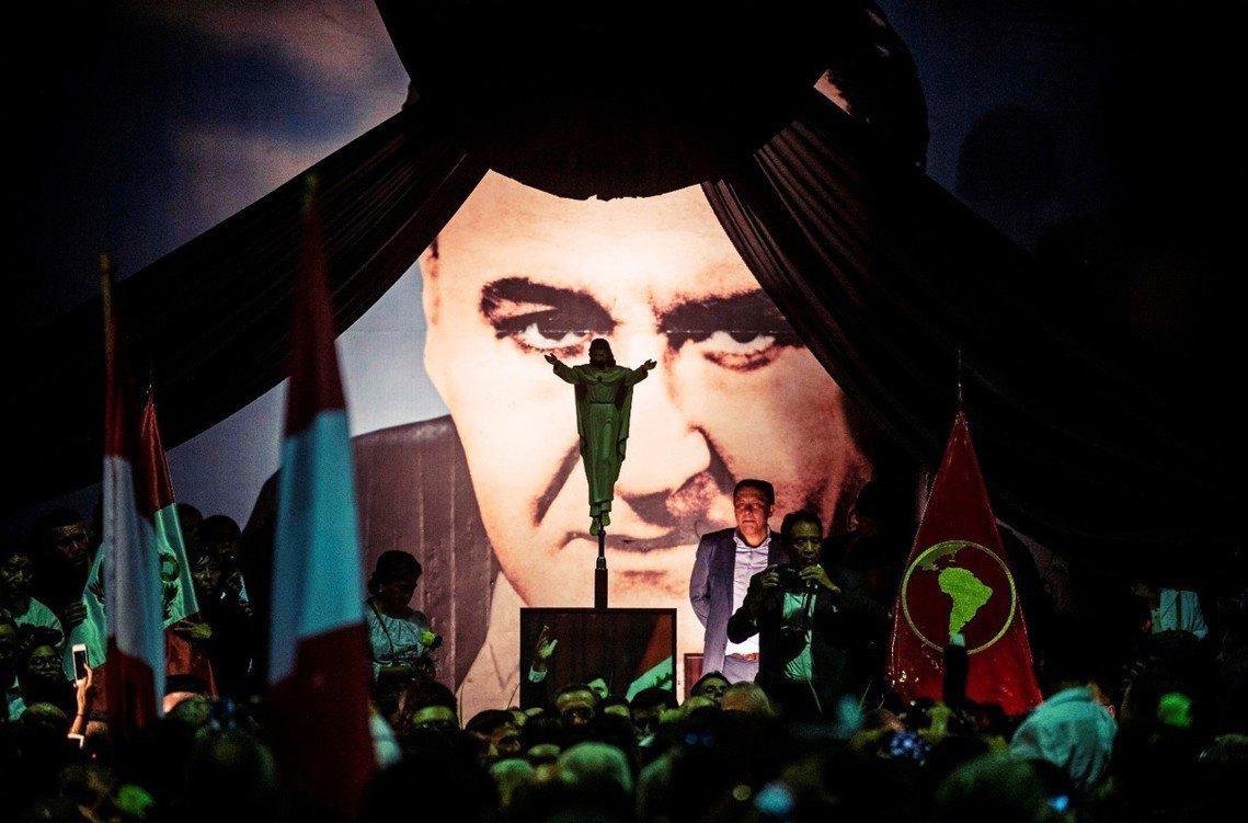 祕魯前總統阿蘭.加西亞自殺身亡。圖為加西亞的靈堂。 圖/法新社