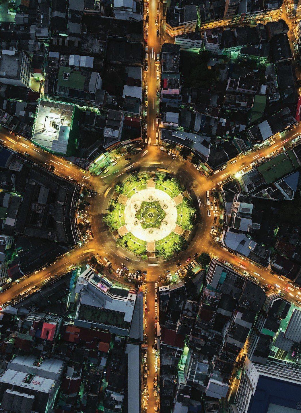 在未來的智慧城市中,科技將無所不在,智慧量錶、智慧路燈、甚至智慧垃圾桶都將廣泛部...