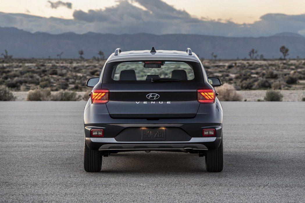 全新Hyundai Venue 車尾。 摘自Hyundai