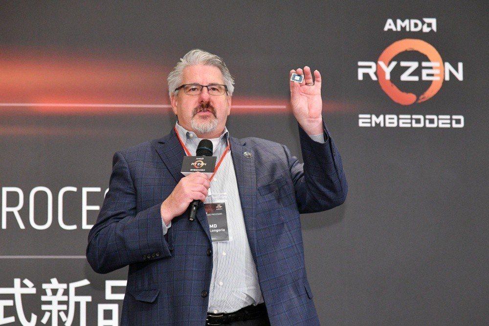 AMD資料中心暨嵌入式解決方案事業群業務全球副總裁Steve Longoria