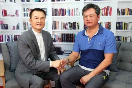 理財周刊發行人洪寶山(左)、陳重銘(右)