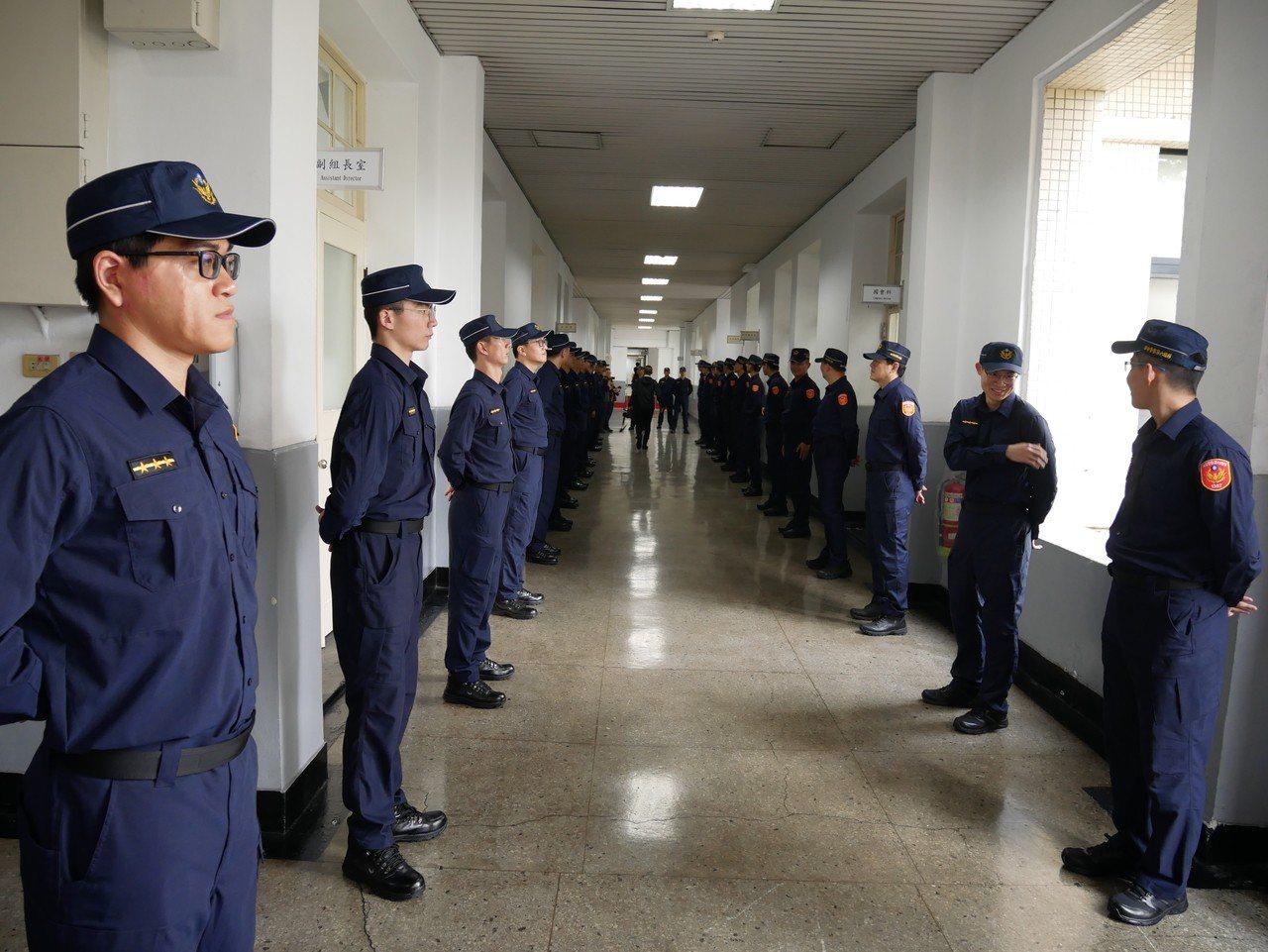 警政署新制服警察列隊,歡迎總統蔡英文到場。記者陳金松/攝影