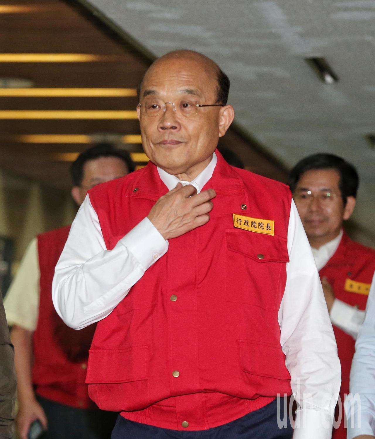 行政院長蘇貞昌前往中央災害應變中心聽取簡報。記者鄭清元/攝影