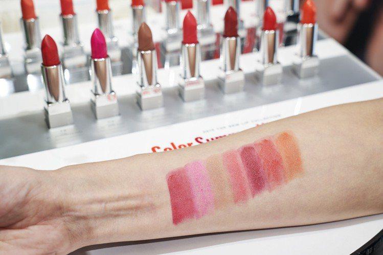 RMK經典輕潤口紅(霧采)7色全試色、售價1,350元。圖/RMK提供