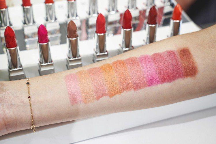 RMK經典輕潤口紅(亮采)10色全試色、售價1,350元。圖/RMK提供