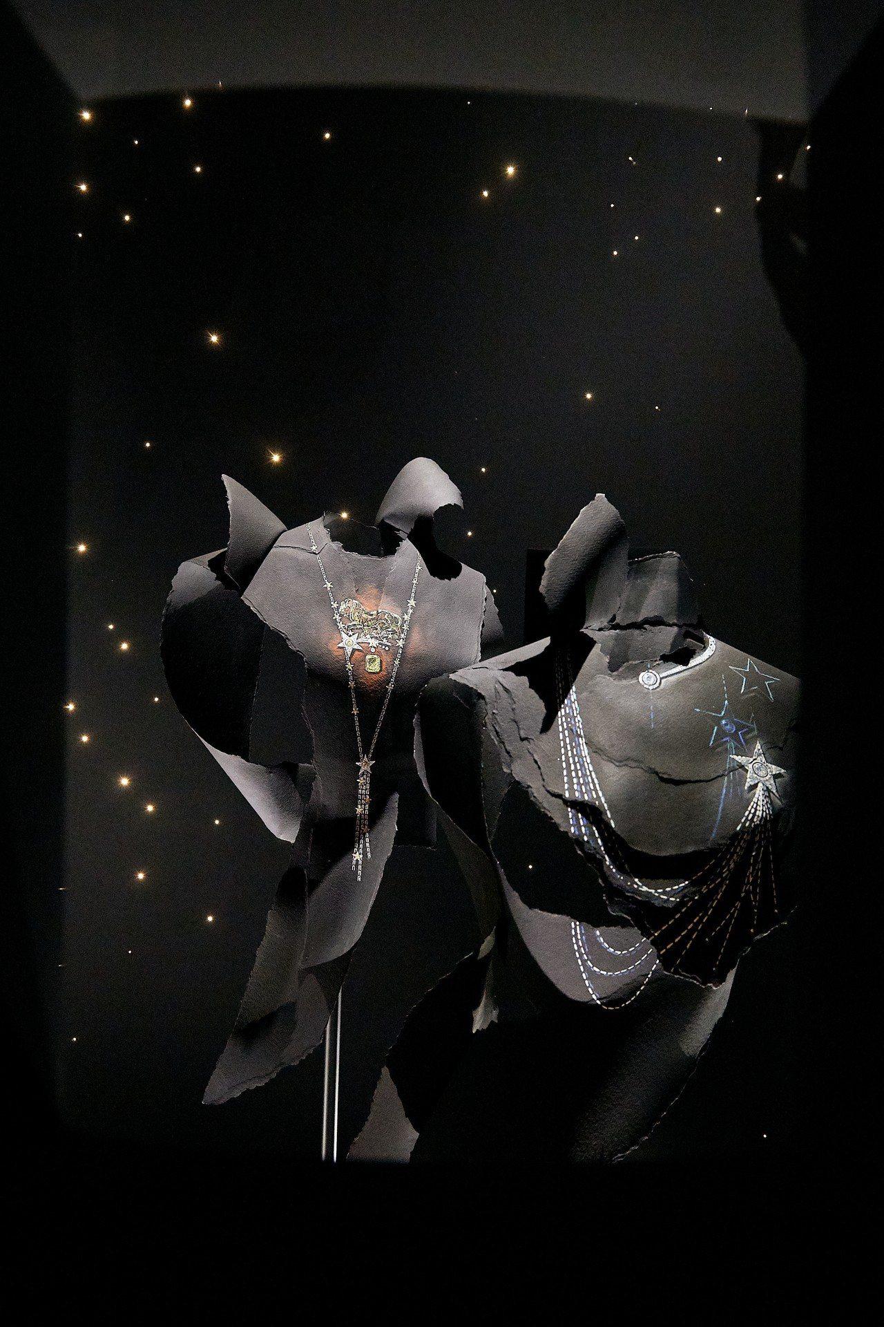 襯托著星星、蝴蝶結、流蘇、麥穗等經典元素造型的Bijoux de Diamant...