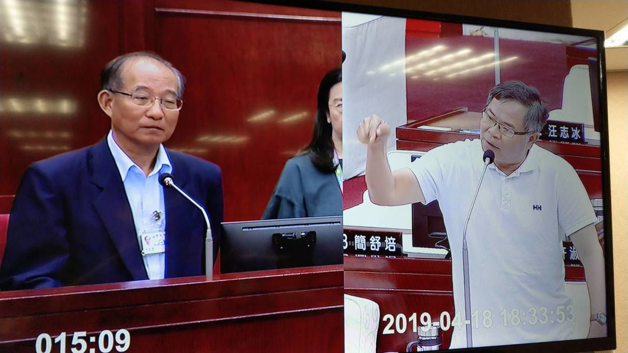 民進黨議員李建昌質詢雙城論壇時動怒,連駡好幾句「混蛋市長」。記者楊正海/翻攝