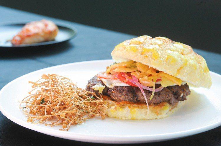 炭烤夏威夷風花生牛肉漢堡。記者陳睿中/攝影