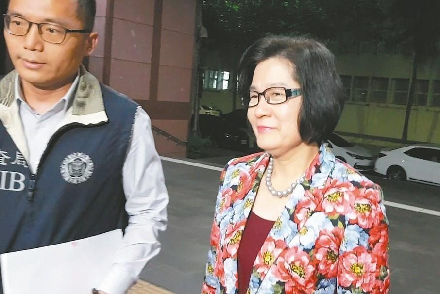 誠美材(4960)副董事長葉美麗日前因遭控以假交易,掏空子公司逾2.6億元,被檢...