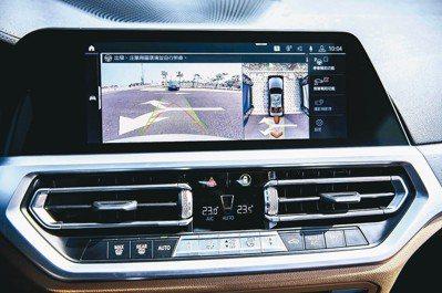完整配備BMW Personal CoPilot智慧駕駛輔助科技含倒車輔助系統。...