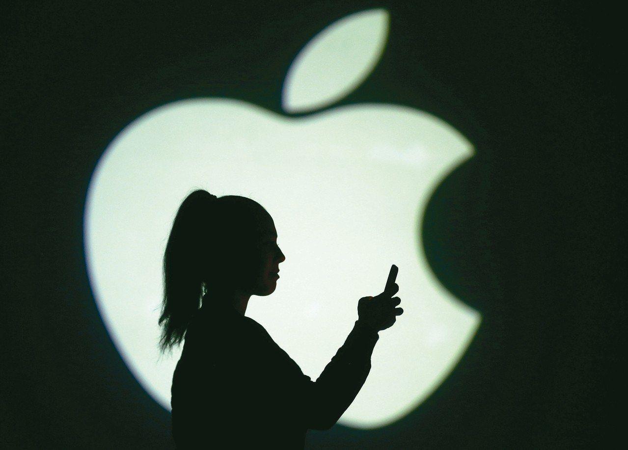 蘋果新機設計大致抵定,分析師點名玉晶光、大立光可望受惠。 路透