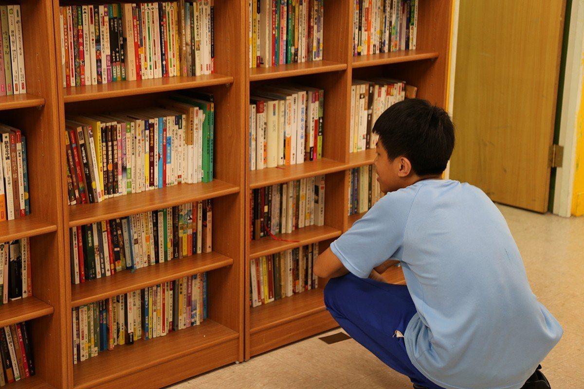 透過募集多元書籍,讓孩子有更多的閱讀選擇,減少等待書籍的時間 圖/博幼基金會 提...