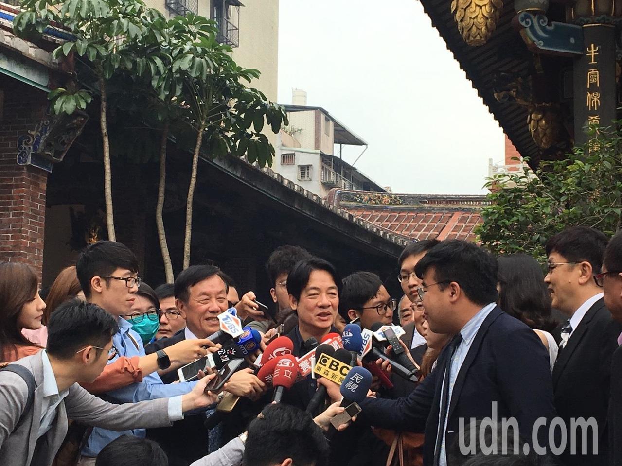行政院前院長賴清德今天前往大龍峒保安宮參拜。記者周佑政/攝影