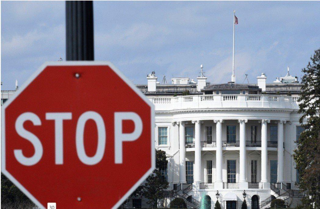 環球時報指出,去年以來,至少有280名大陸學者遭美方不公平對待。圖為美國白宮。(...