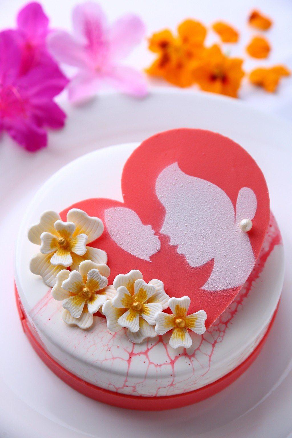美麗信花園酒店「幸福繽紛莓滿」母親節蛋糕。圖/美麗信花園酒店提供