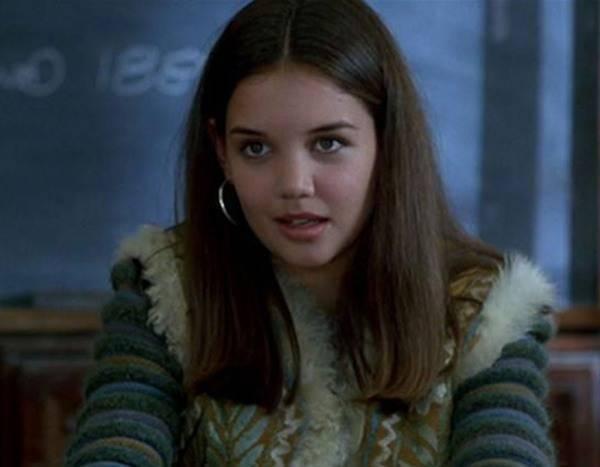 17歲的凱蒂荷姆絲以李安電影「冰風暴」踏出拍戲的第一步。圖/摘自E!