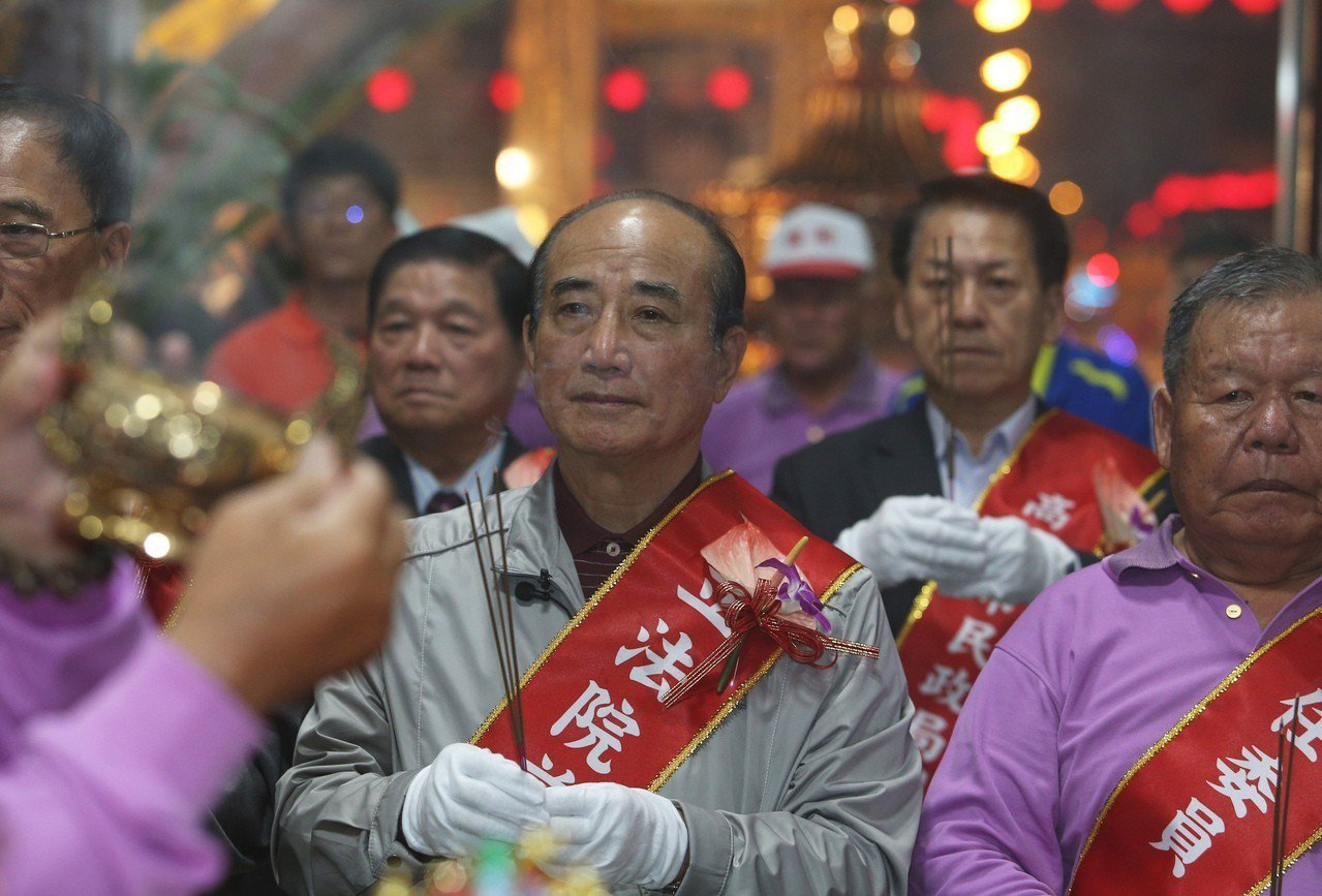 競逐中國國民黨總統初選的前立法院長王金平今天說他無法猜測韓國瑜選不選,韓國瑜如何...