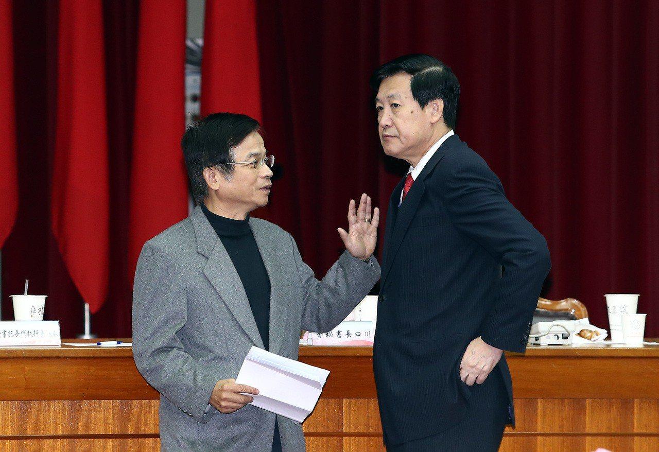 國民黨第一波立委初選,費鴻泰(右)和賴士葆(左),在台北市第7、第8選區勝出。 ...