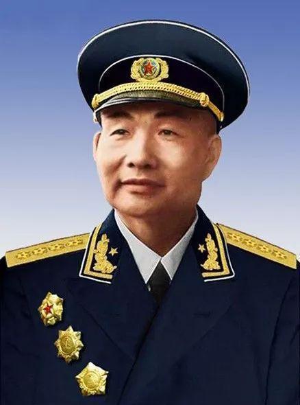 中共第一任海軍司令員蕭勁光在位30年,備受毛澤東賞識。圖/取自網路