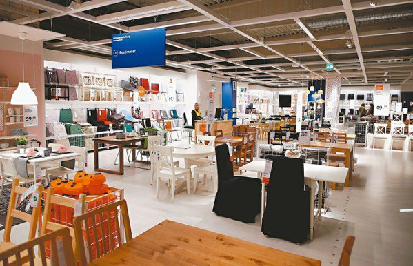 瑞典家具大廠IKEA去年宣布策略轉型計畫,擁抱數位化,也剛好差不多在那時,曾任美...