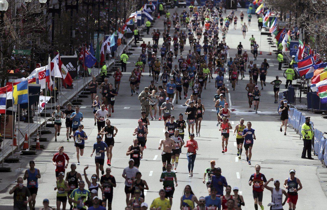 傳中國籍選手找人代跑馬拉松,被處予終身禁賽。圖/記者呂賢修