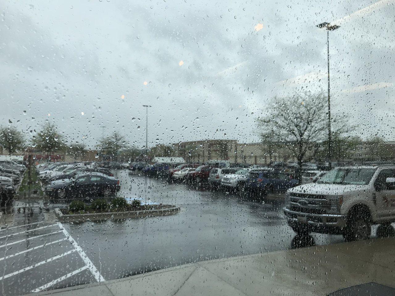 大華府強風暴雨伴龍捲風,復活節假期迎極端天氣。記者張筠/攝影
