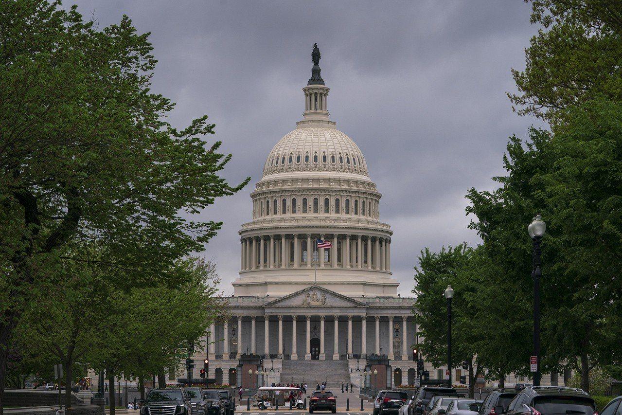 被不少華人稱為「新排華法案」的參院S386「高技術移民公平法案」 (Fairne...