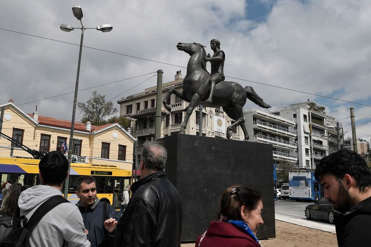 雅典市中心豎立亞歷山大大帝雕像。法新社