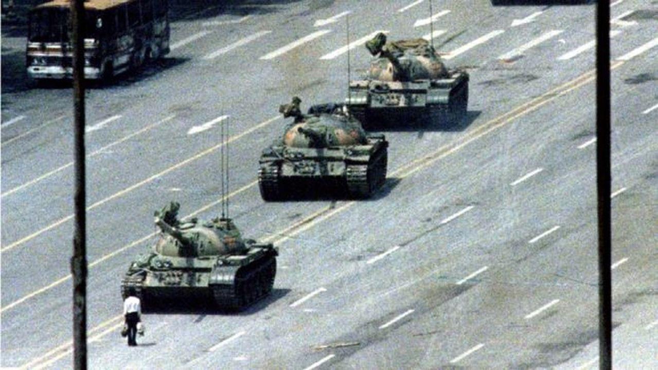 1989年阻擋坦克的六四坦克人。(路透資料照片)