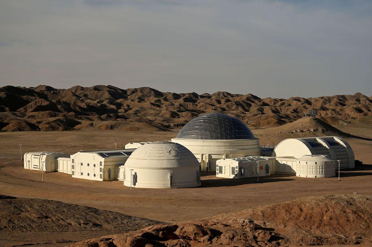 火星1號基地包含9個艙體,可真實模擬太空人在火星訓練和生活情況。(取材自參考消息...