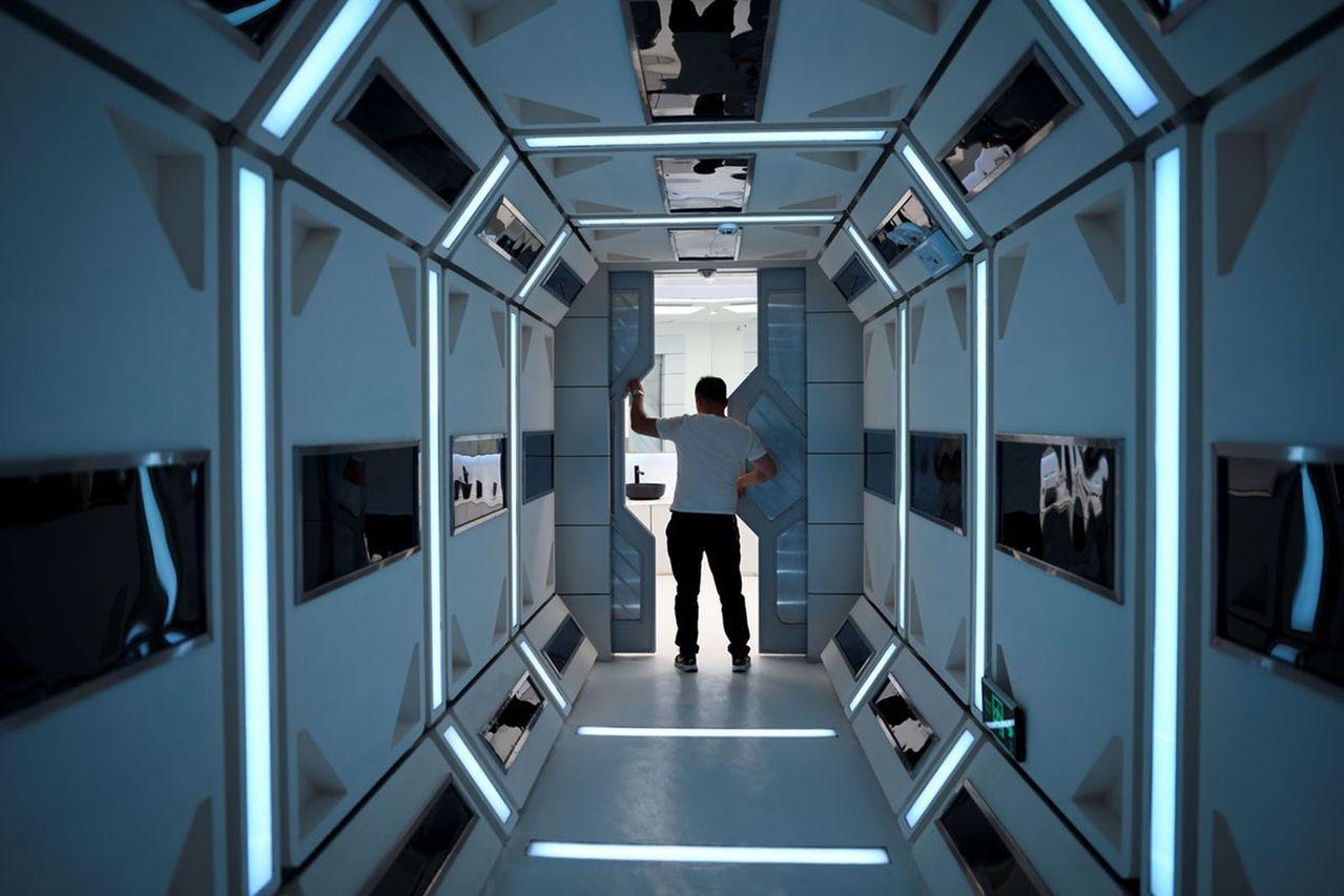 星1號基地內部通道。(取材自參考消息)
