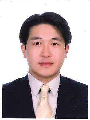 兆紳管理顧問公司董事長劉兆生,經歷過各大企業股權戰,且在幕後位居關鍵角色。他說,...
