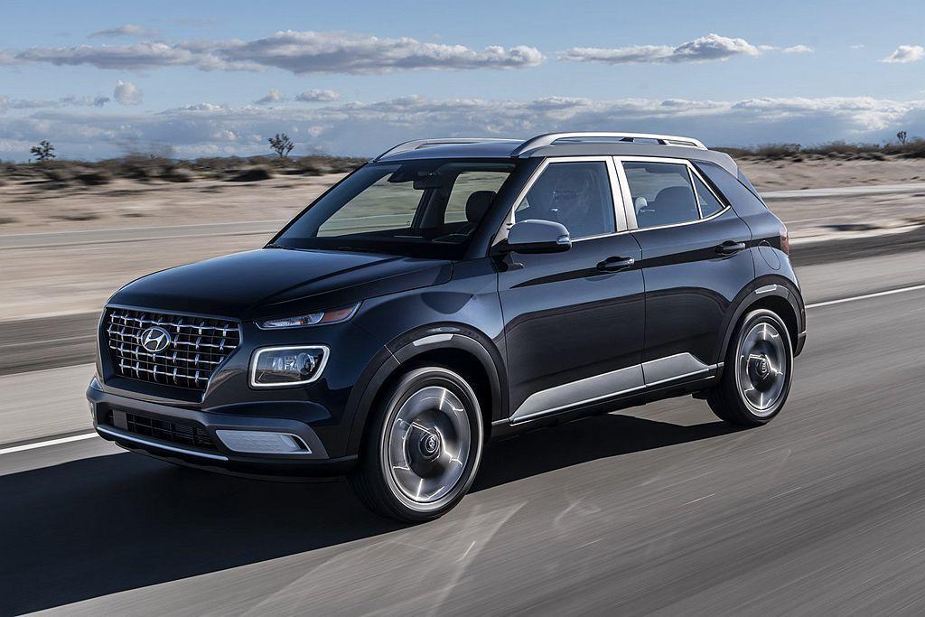Hyundai Venue擁有車長4,036mm相當迷你的車格,動力配置1.6L...