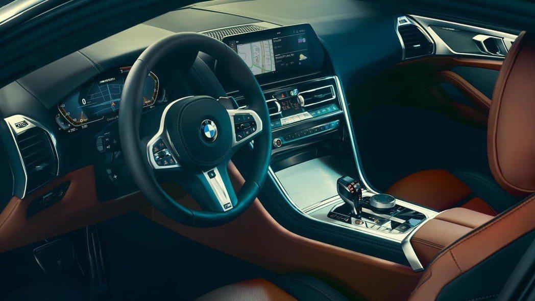 BMW M850i xDrive 內裝。 摘自BMW