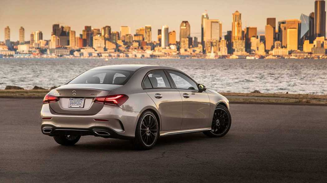 Mercedes-Benz A-Class Sedan。 摘自Mercedes-...