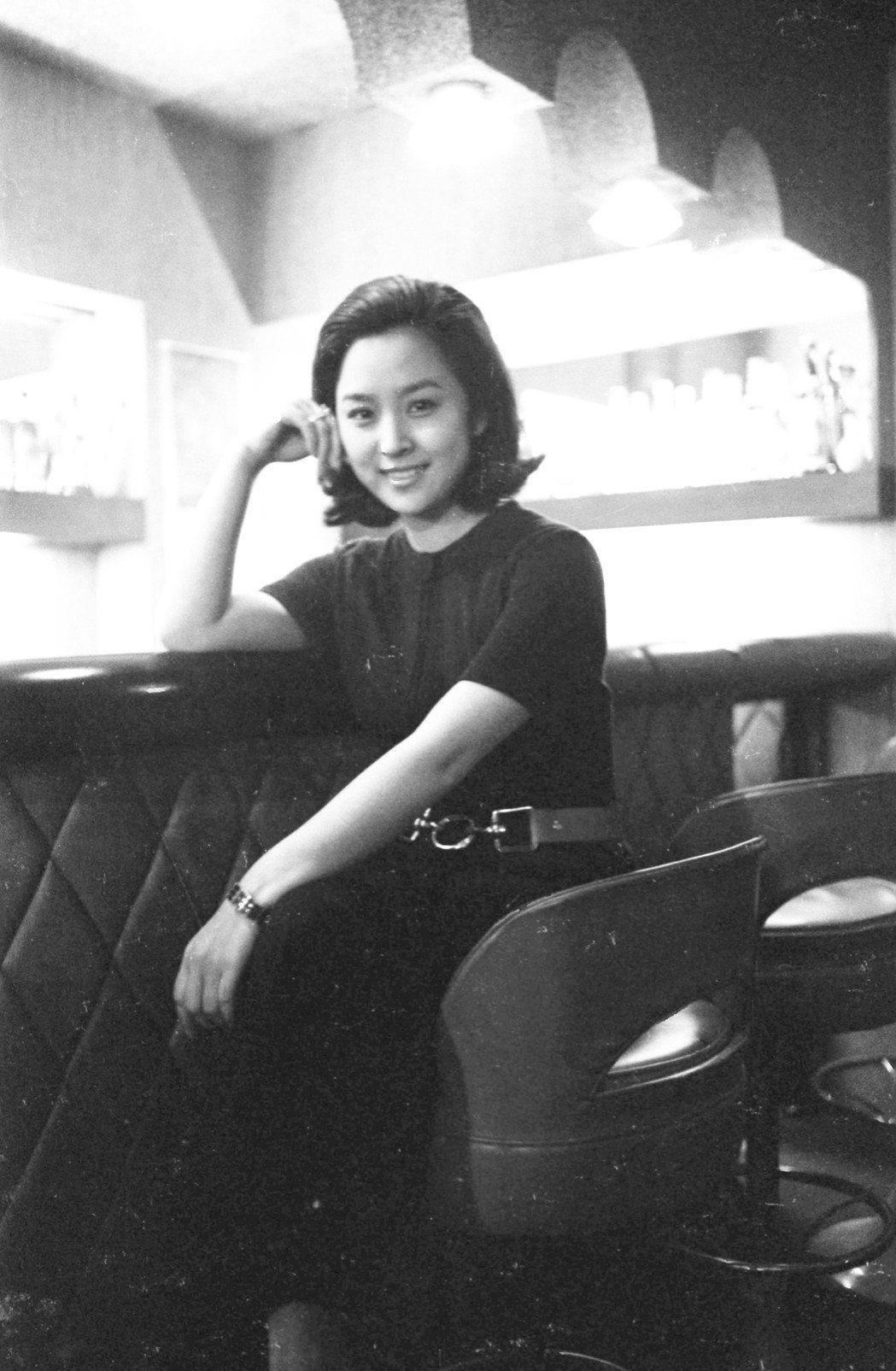 過去在媒體上刊登過不少甄珍的美麗照片,她正挑選最具可看性者在回顧展上重現。圖/報...