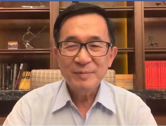 前總統陳水扁在臉書批判總統蔡英文,強調民主國家,貫徹民主最重要,個人的輸贏不重要...