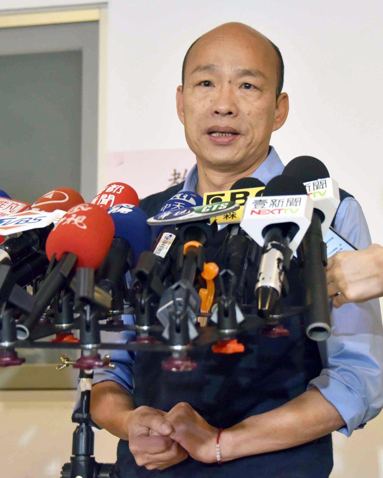 名嘴黃暐瀚指出,高雄市長韓國瑜已從「C咖變成S咖」,但國民黨擁有「搞殘黨內政治明...