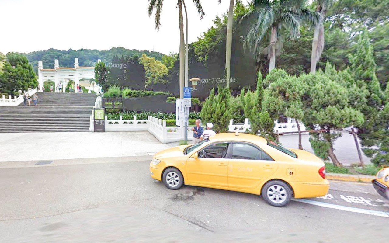 台北國立故宮博物院昨天下午發生計程車與Uber司機停車糾紛(圖為示意圖)。圖/翻...
