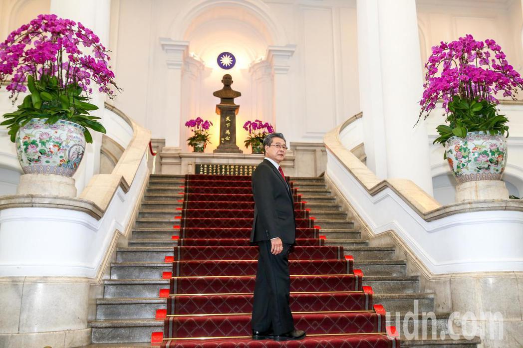 「國際橋牌社」劇組前往總統府取景拍攝,演員楊烈飾演總統。記者王騰毅/攝影