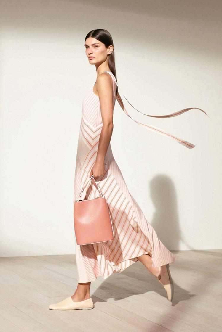Loro Piana Beatris真絲縐紗連身裙,售價10萬9,800元。圖/...