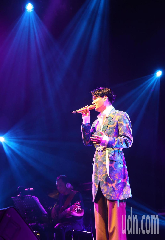 新生代台語情歌王子 許富凱 20號晚間在台北信義劇場Legacy Max 舉辦 ...