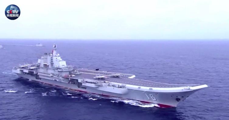 配合中共海軍建軍70周年,央視發布一則影片,宣揚中共海軍如何從當年的渡江漁船,成...